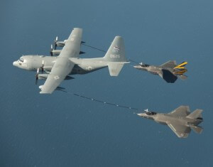 First_dual_F_35C_aerial_refueling-630x494